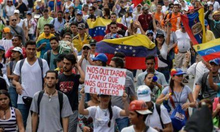 El número de venezolanos que huyen del país supera los 4 millones