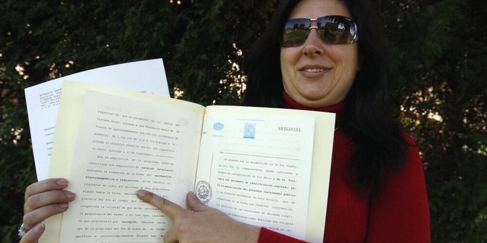 una-mujer-asegura-ser-la-dueña-del-sol-documento-legal-movidatuy.com