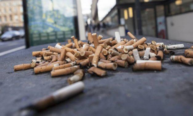 ✅ Bruselas: 200 euros de multa por tirar una colilla de cigarrillos al suelo ✅