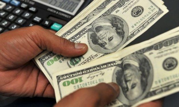 😮 Actualmente en Venezuela hay más dólares que bolívares 😮