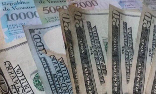 De dónde salen tantos dólares que circulan en Venezuela ¿Y los bolívares?