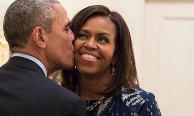 ✌ Así celebró Barak Obama los 56 años de su esposa Michelle ✌