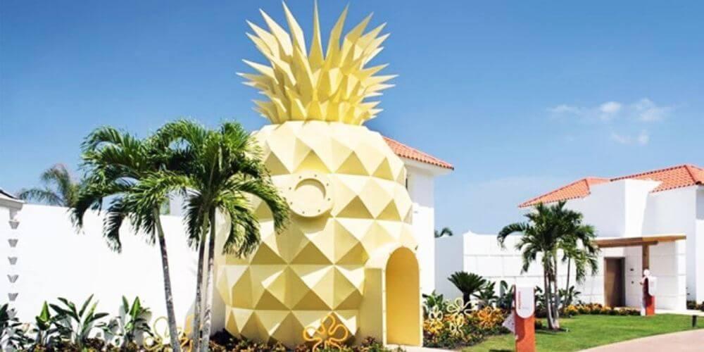 esta-es-la-sorprendente-casa-de-bob-esponja-en-una-version-real-piña-hotel-resorts-movidatuy.com
