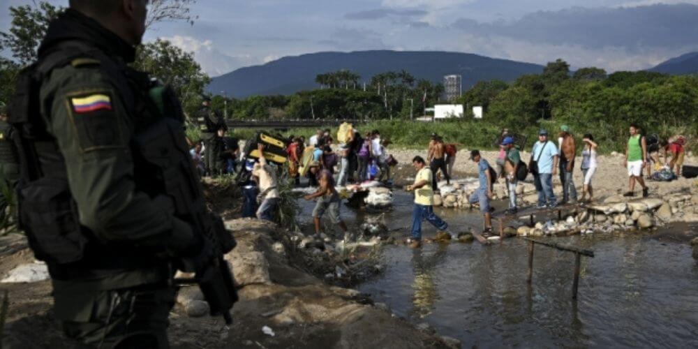 Grupo-de-delincuencia-organizada- dedica-a-pasar-connacionales-por-la-frontera-nacionales-movidatuy.com