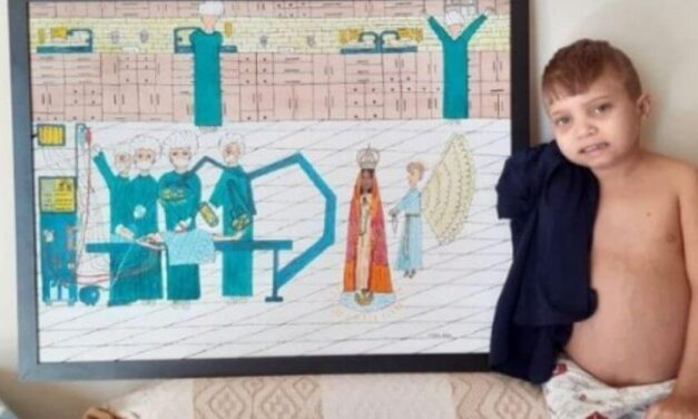 ✌️ Niño de 13 años hace espectaculares pinturas de santos para pagar su tratamiento ✌️