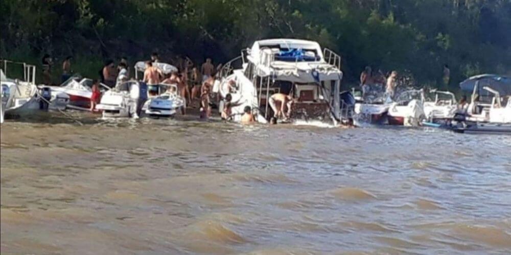 se-hunde-por-sobrepeso-un-yate-con-una-fiesta-ilegal-durante-el-confinamiento-embarcacion-argentina-movidatuy.com