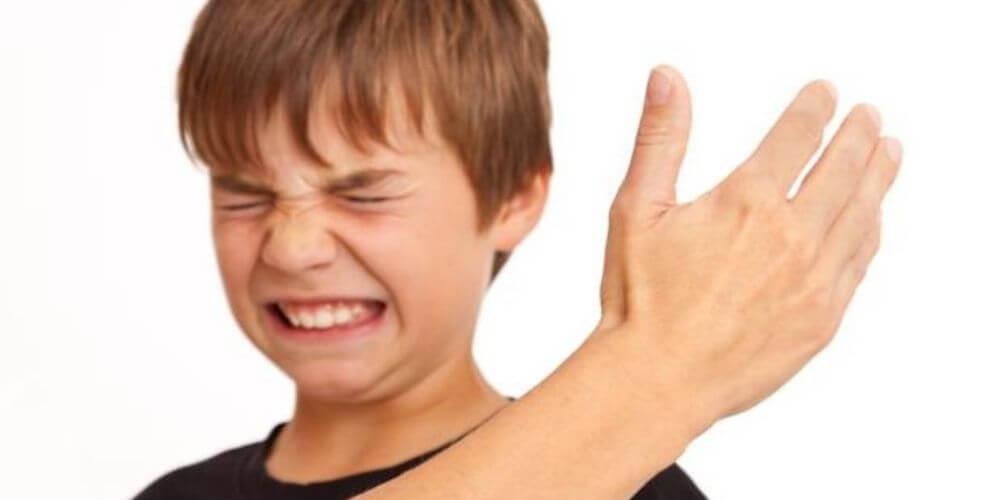 en-colombia-prohiben-el-castigo-fisico-a-los-niños-y-adolescentes-bofetada-maltrato-infantil-movidatuy.com