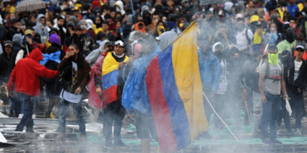 nuevas-protestas-en-colombia-y-denuncian-mas-de-1000-casos-de-abuso-policial-protestas-movidatuy.com