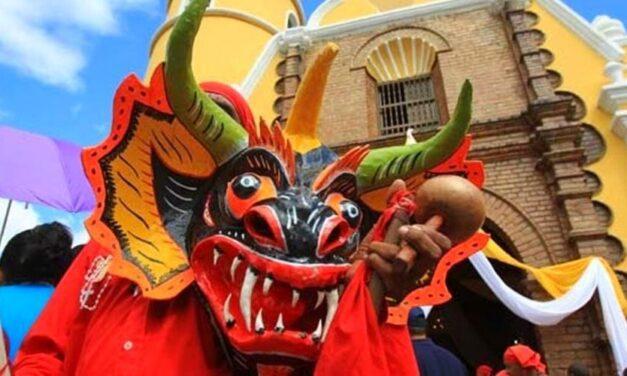 ✅ Los Diablos de Yare hicieron un recorrido como preámbulo del Corpus Christi ✅