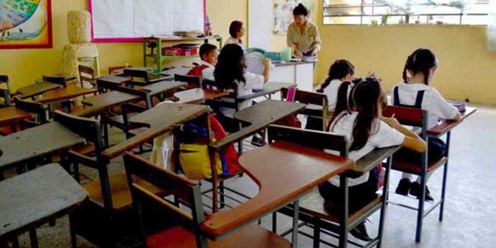 estudiantes-ocuparan-solo-50-de-los-salones-en-el-reinicio-a-clases-nacionales-movidatuy.com