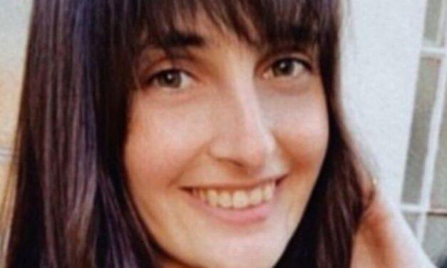 """👎 Una empresa rechazó a una joven por """"sonreír demasiado"""" en una entrevista de trabajo 👎"""